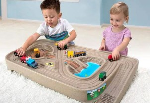 Carry & Go Track Table