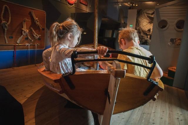 besök på marinmuseum