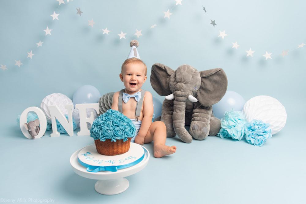 Cake Smash Session For 1st Birthday In Sheffield Yorkshire Jenny Mills Photography