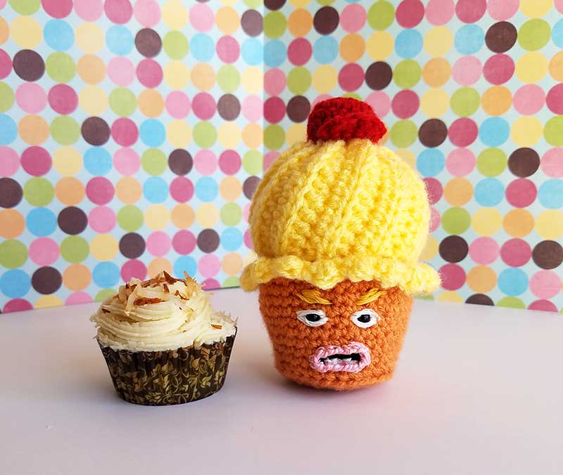Mango Muffin and Trump Muffin - BFFs