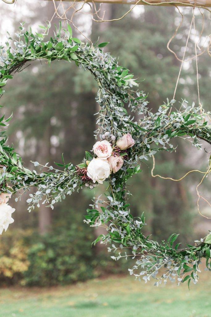 Ceremony Backdrop, Wreaths, Garden Roses, Canterwood