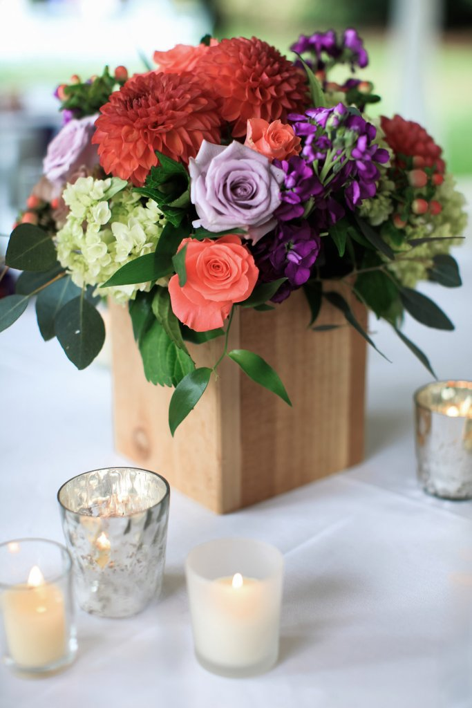 Wood Box Centerpiece || flowers by Jen's Blossoms || photo by Kate Price Photography