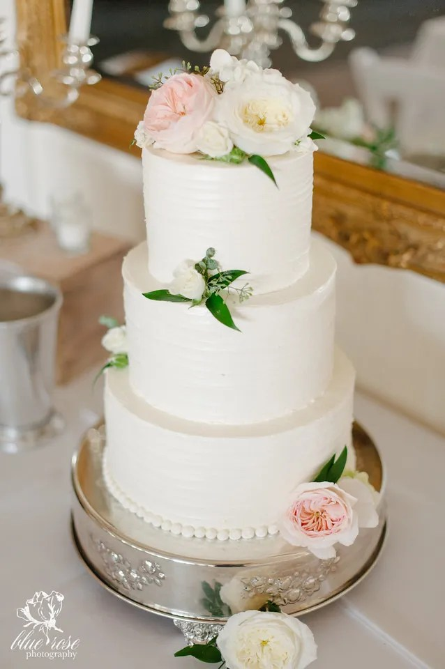 Fresh Flowers on Wedding Cake