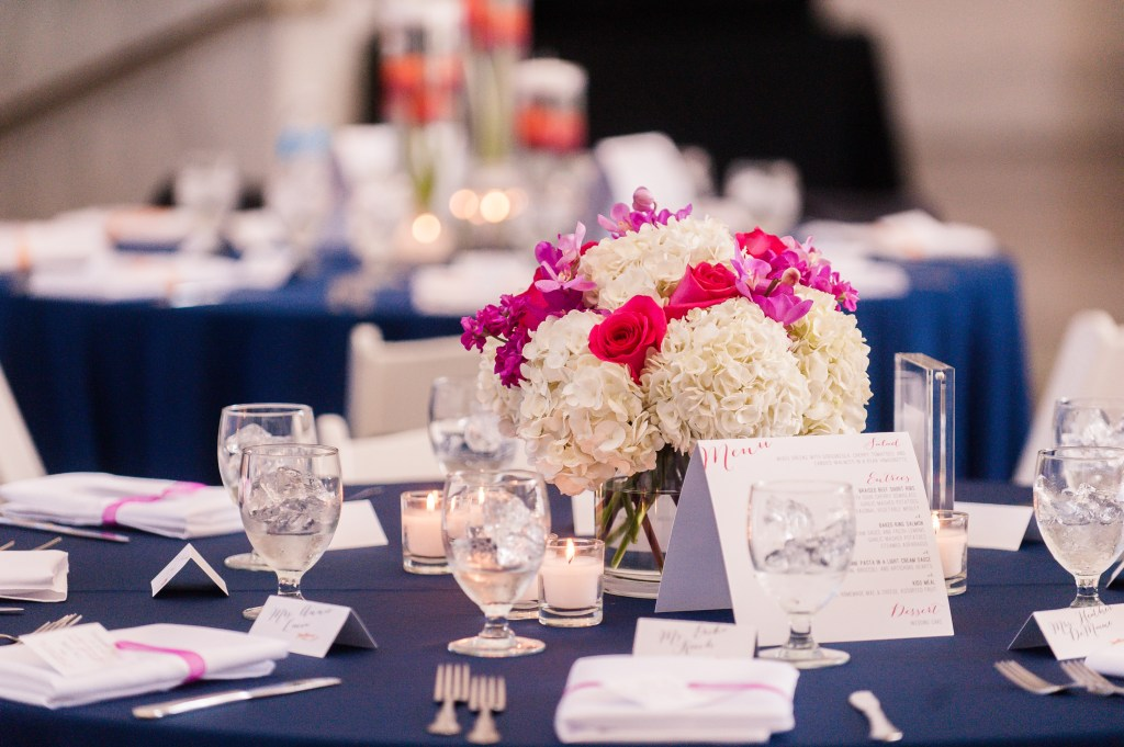 Union Station Wedding || Photo: Genesa Richards Photography ||Pink Table