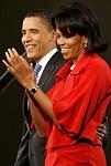 CHICAGO - FEBRUARY 05:  Democratic presidentia...