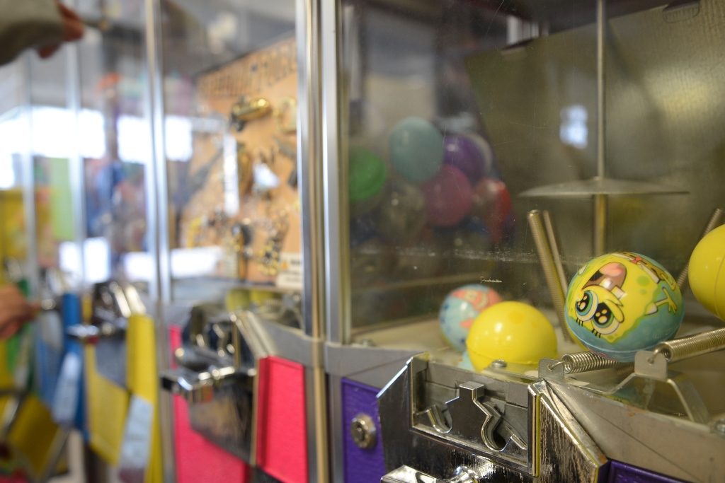 Gumball Machine with Sponge Bob balls