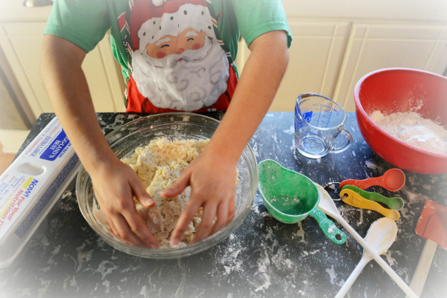 forming dough for cookies