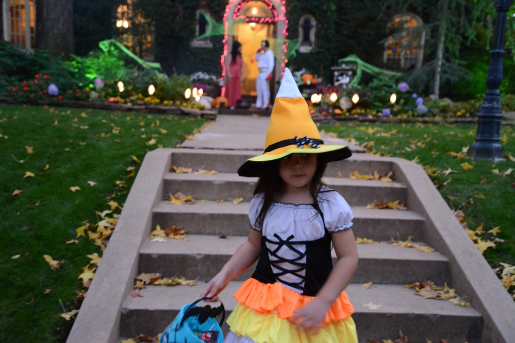 Halloween Kandy Korn Witch