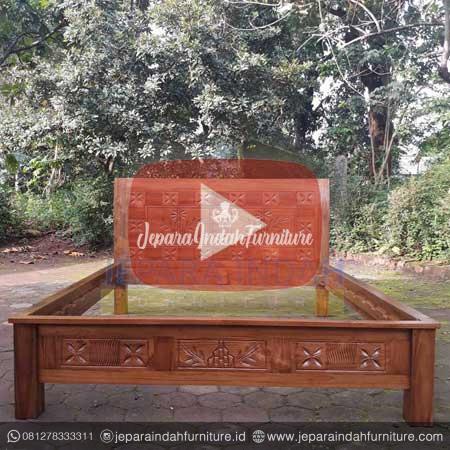 Harga Jual Dipan Jati Klasik Ukir Pohon Bambu Murah