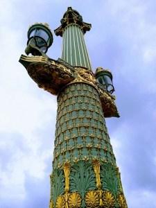 colonne rostrale place de la concorde