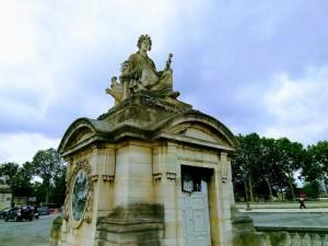 statue marseille place de la concorde