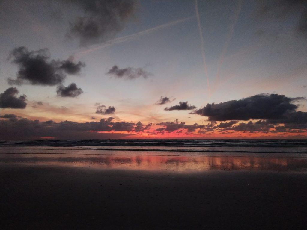 Coucher de soleil plage aux Pays Bas