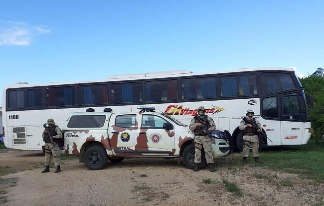 CIPE CENTRAL intercepta ônibus que fazia transporte irregular de passageiros  Jequié x São Paulo – Jequié Repórter