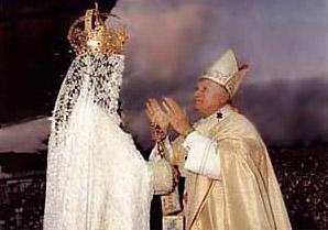 Pope prays to Mary