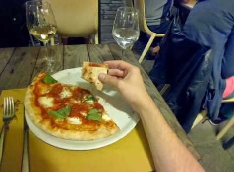 Eating Pizza in Venice, Italy #throughglass