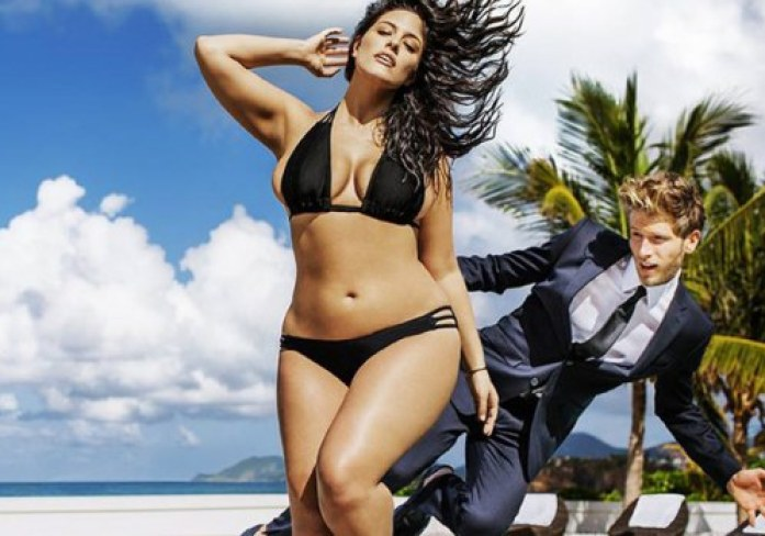 plus-size-model-ashley-graham-zeigt-ihre-kurven-in-der-sports-illustrated-617765_w500