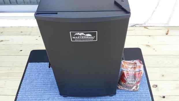 dehydrator with wood chips