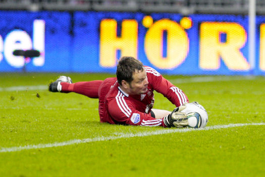2012-04-14 Jeroen Verhoeven duiken tegen RKC Fred Rotgans