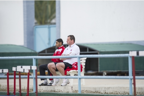 2013-01-12 Jeroen verhoeven kijkt wedstrijd in Portugal