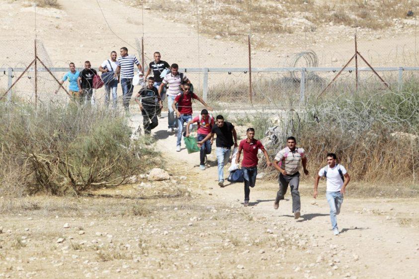 .jpg?resize=843%2C562&ssl=1 - إلقاء القبض على عصابة تمتهن تهريب بشر إلى خارج سوريا!