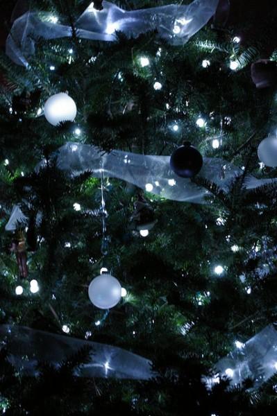 Xmess Tree - closeup