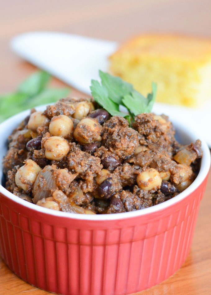 This Meaty Portobello Chili is sure to please both meat lovers and veggie fanatics alike-- made with ground beef, it's bulked up with ground portobello mushrooms for a savory and satisfying yet nutritious meal!