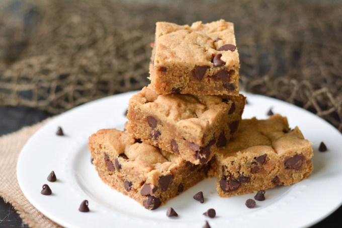 Chocolate Chip Peanut Butter Blondies