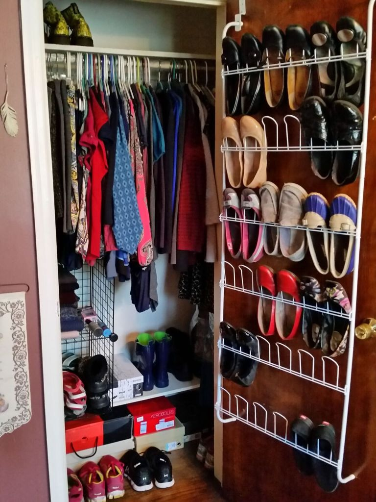 closet after minimizing my clothing