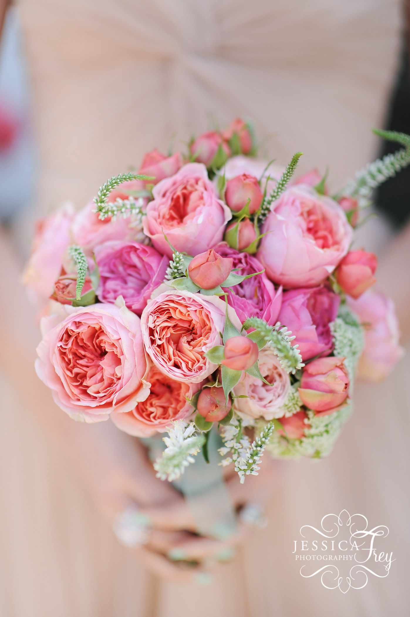 jessica frey photography austin wedding photographer beautiful pink and coral bridal bouquet