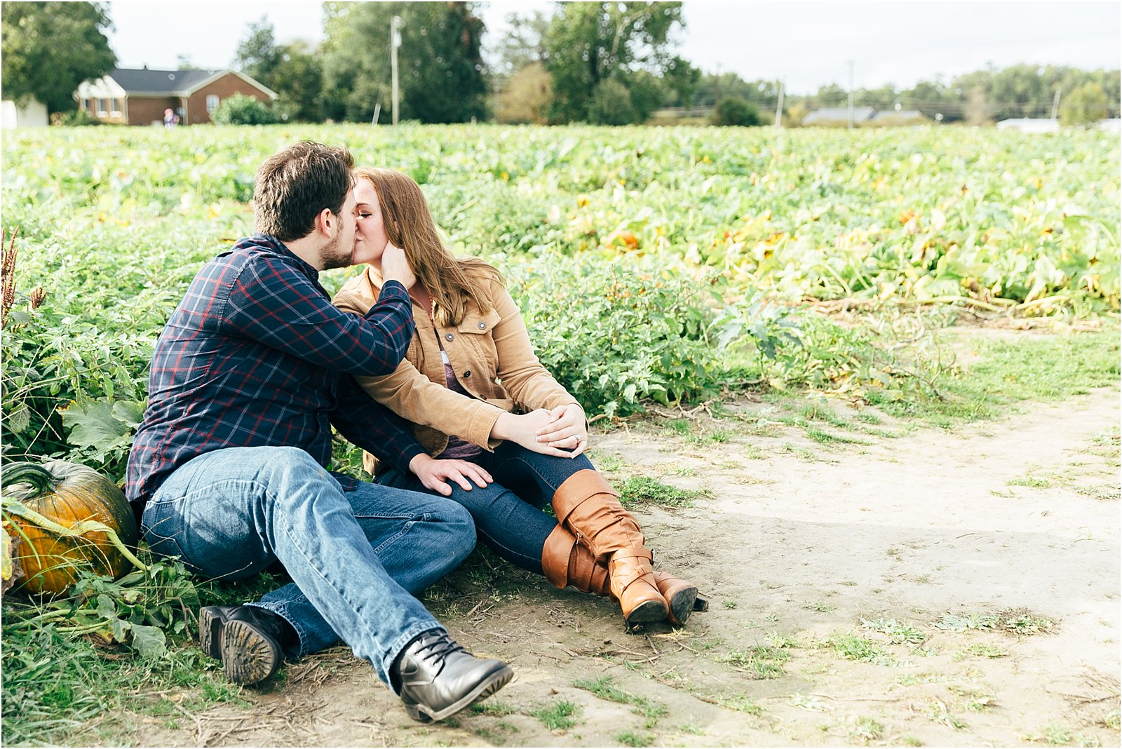 jessica_ryan_photography_pumpkin_patch_engagement_portraits_fall_october_engagements_virginia_beach_chesapeake_0276