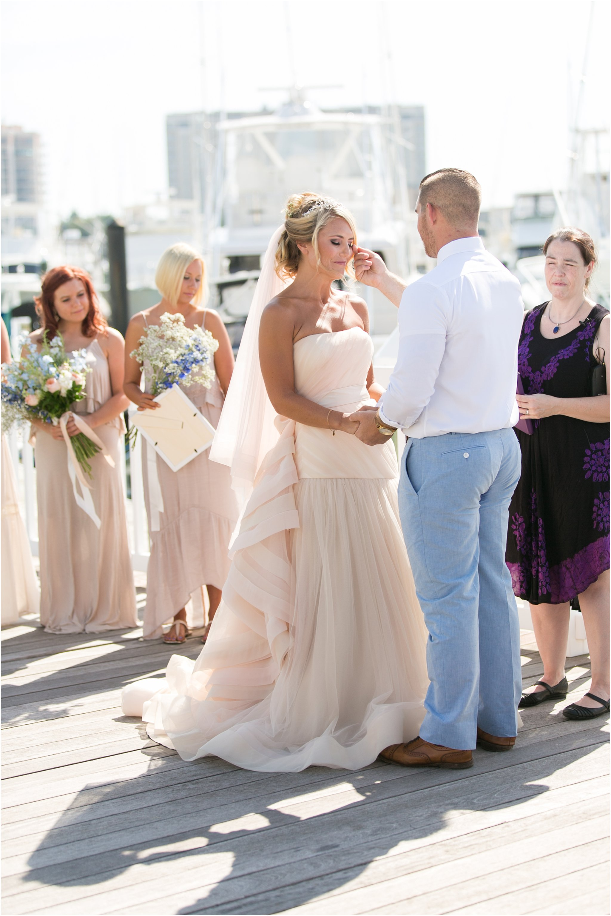 jessica_ryan_photography_virginia_beach_water_tabe_wedding_vera_wang_wedding_dress_0610