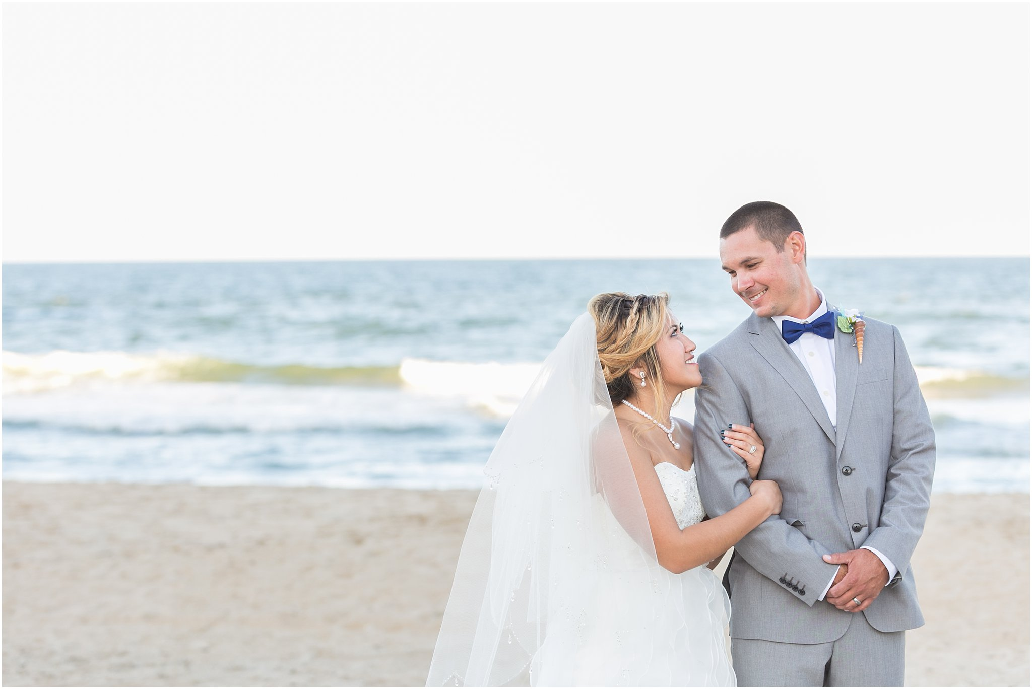jessica_ryan_photography_wedding_virginia_beach_oceanfront_holiday_inn_north_suites_hotel_wedding_0721