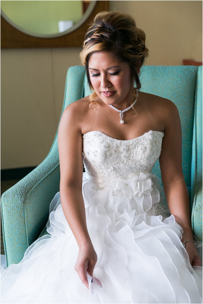 jessica_ryan_photography_wedding_virginia_beach_oceanfront_holiday_inn_north_suites_hotel_wedding_0731