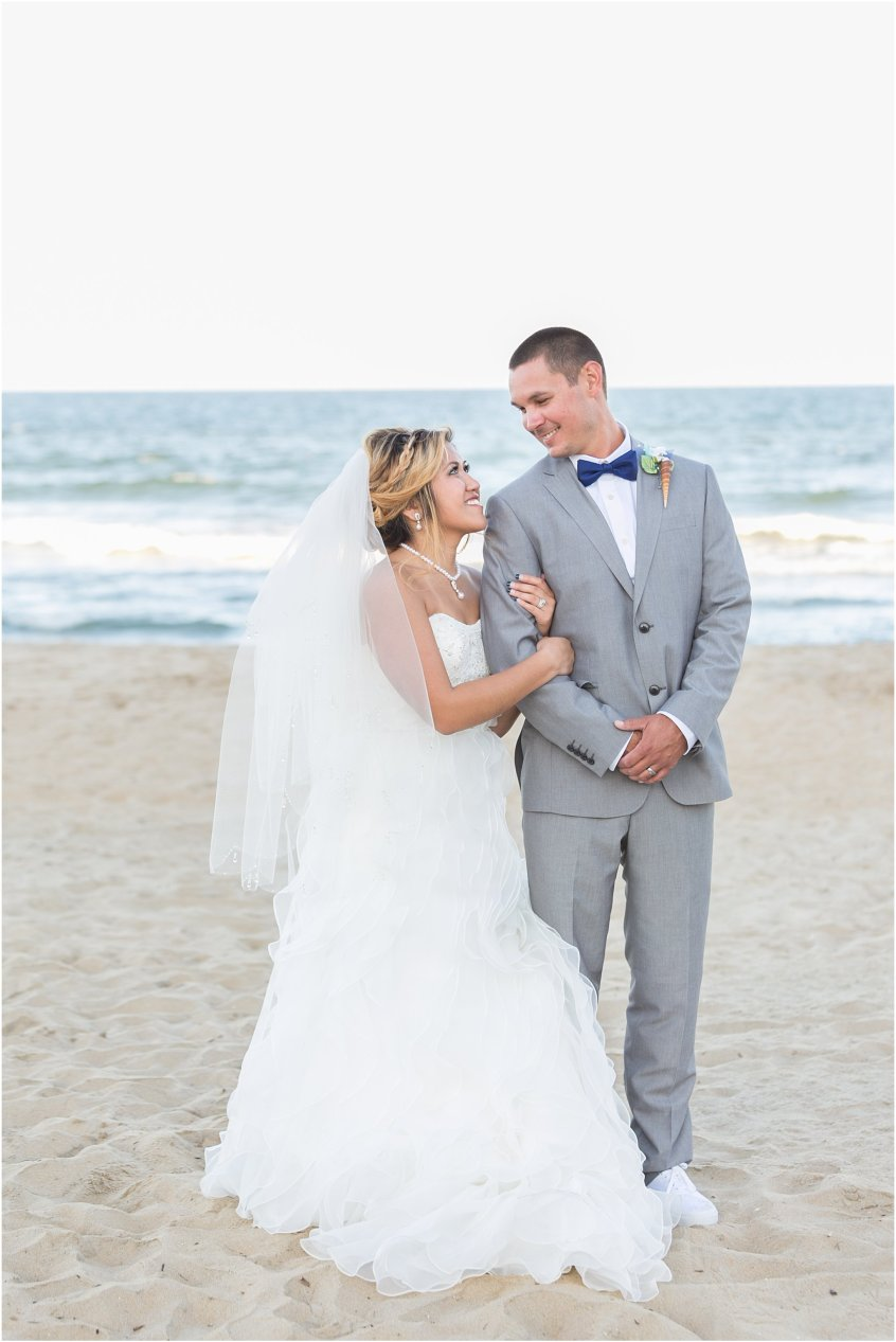 jessica_ryan_photography_wedding_virginia_beach_oceanfront_holiday_inn_north_suites_hotel_wedding_0762