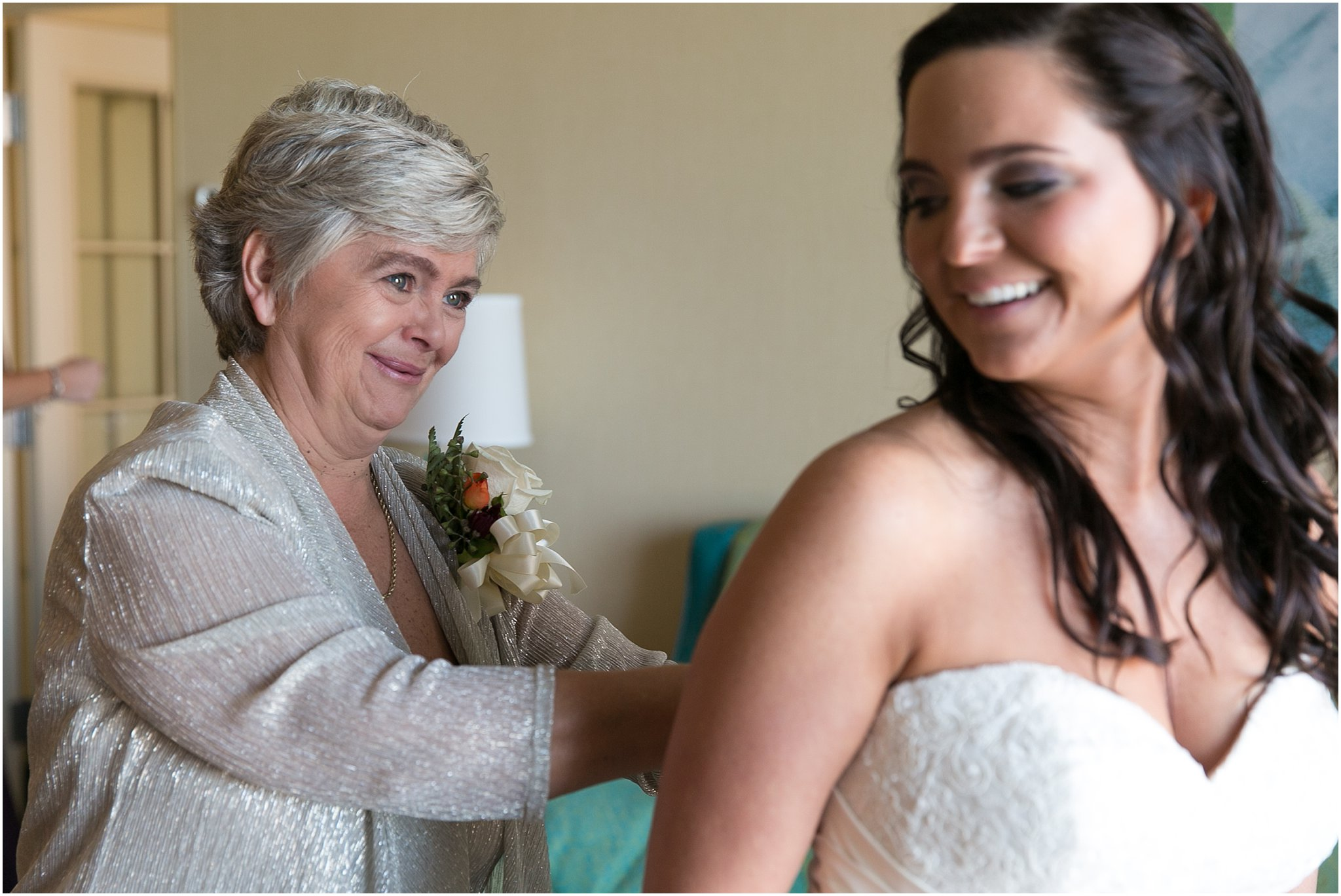 jessica_ryan_photography_wedding_virginia_beach_oceanfront_holiday_inn_north_suites_hotel_wedding_0650