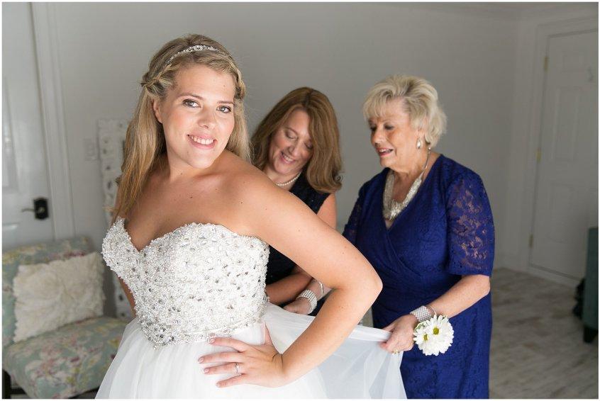 jessica_ryan_photography_wedding_virginia_beach_virginia_wedding_photographer_candid_wedding_photography_lifestyle_photojournalistic_real_moments_0107