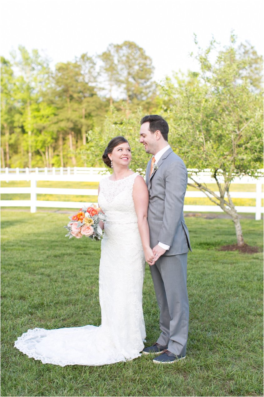 jessica_ryan_photography_holly_ridge_manor_wedding_roost_flowers_jamie_leigh_events_dhalia_edwards_candid_vibrant_wedding_colors_1317