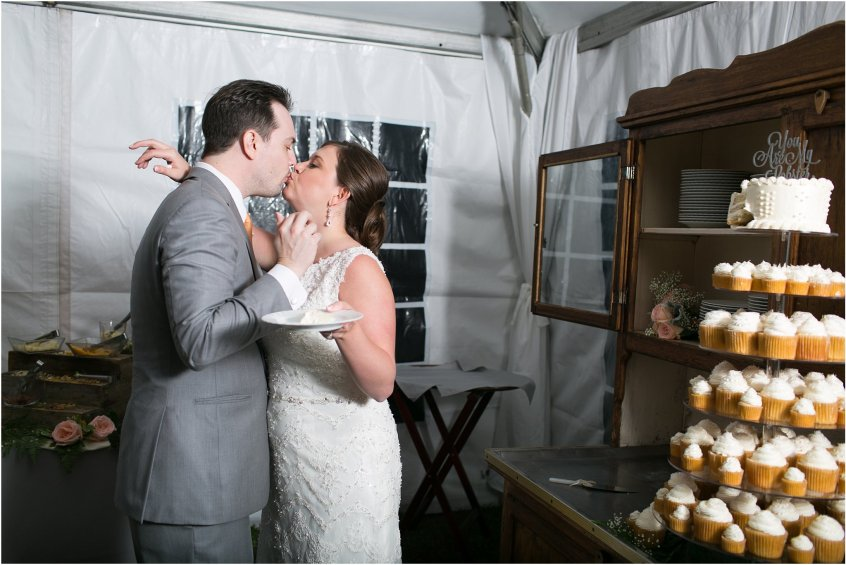 jessica_ryan_photography_holly_ridge_manor_wedding_roost_flowers_jamie_leigh_events_dhalia_edwards_candid_vibrant_wedding_colors_1367