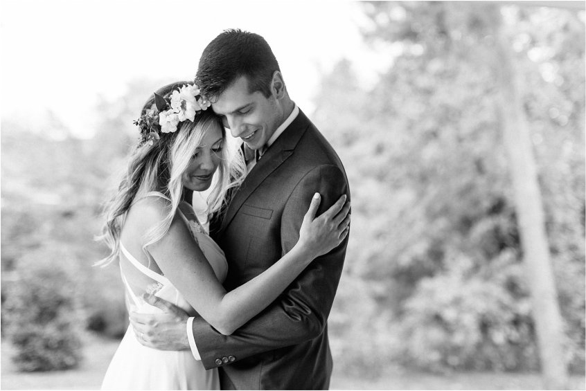 jessica_ryan_photography_womans_club_of_portsmouth_wedding_walk_through_a_wedding_bride_and_groom_0203