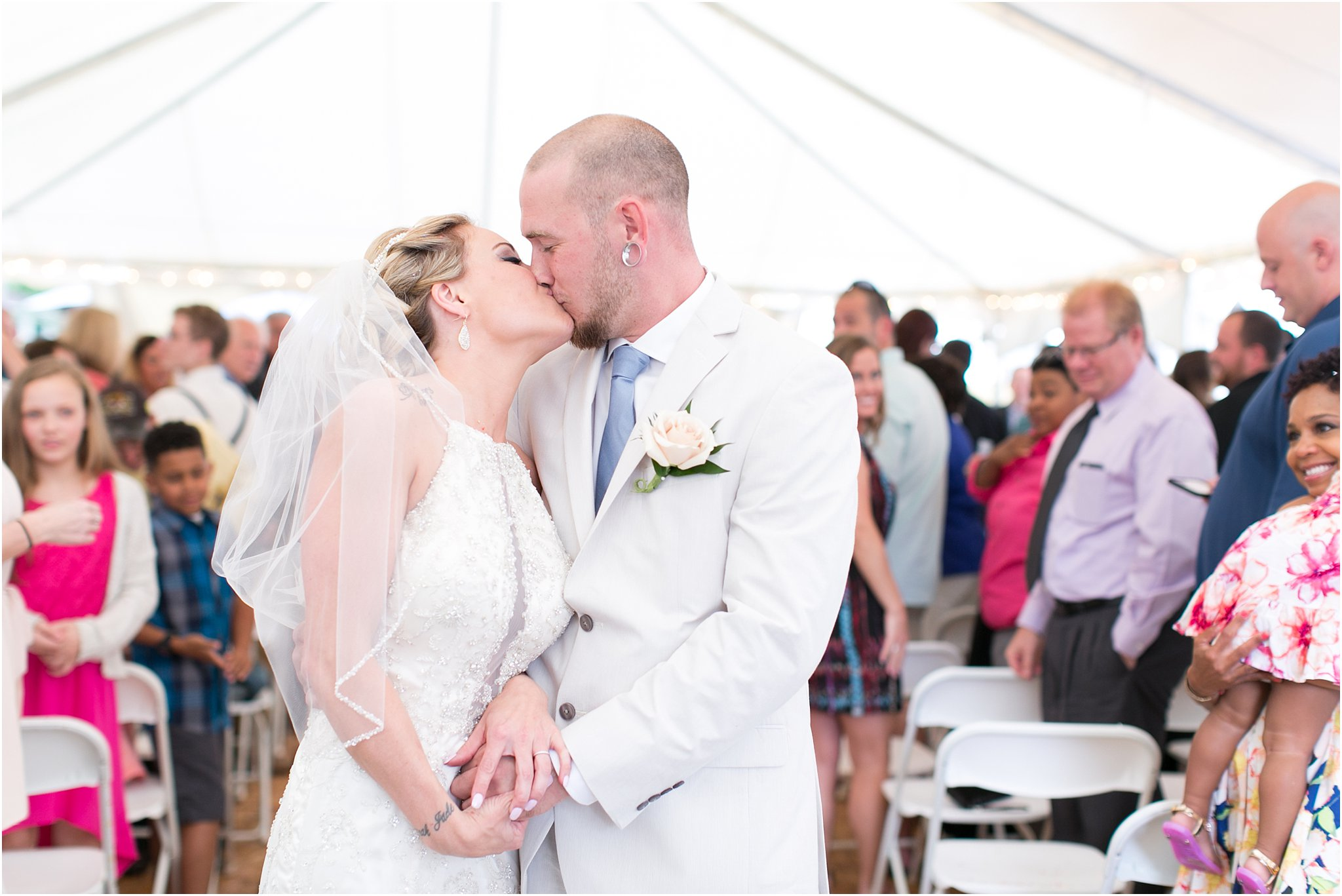jessica_ryan_photography_virginia_virginiabeachweddingphotographer_studioIdo_backyardwedding_waterfrontwedding_1667