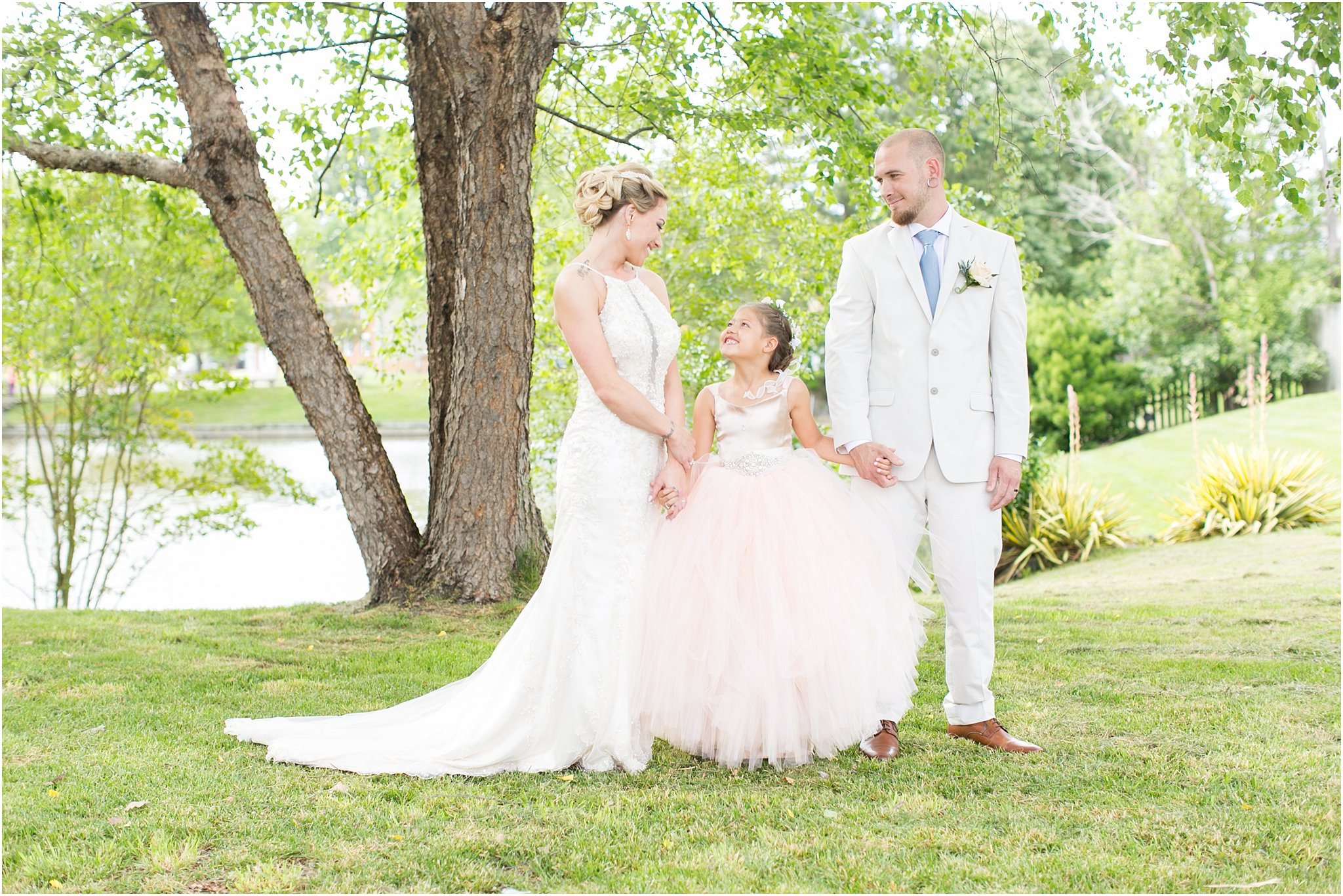 jessica_ryan_photography_virginia_virginiabeachweddingphotographer_studioIdo_backyardwedding_waterfrontwedding_1690