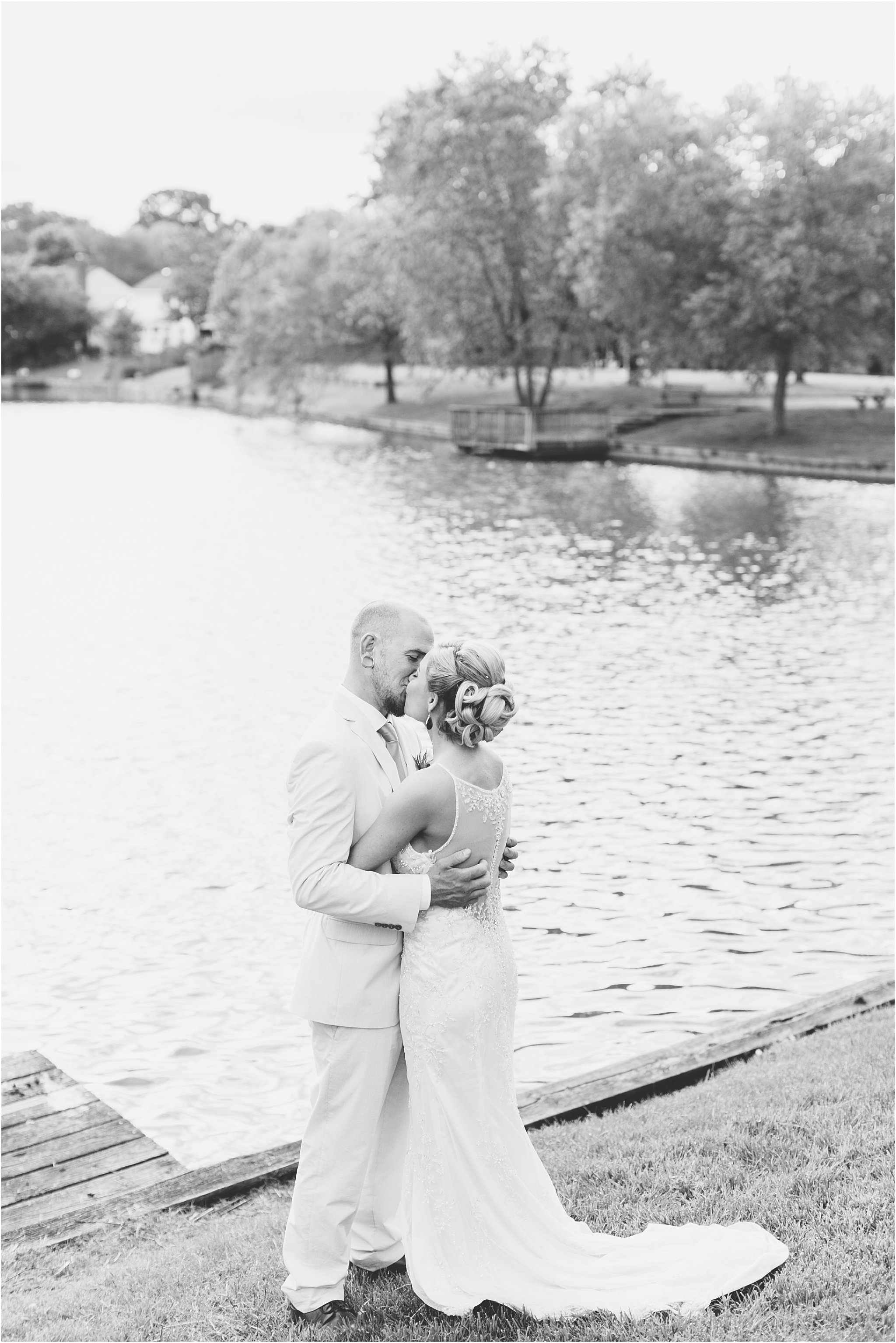 jessica_ryan_photography_virginia_virginiabeachweddingphotographer_studioIdo_backyardwedding_waterfrontwedding_1696
