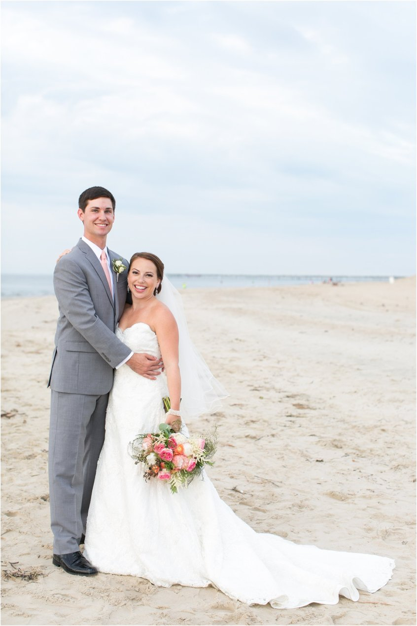 jessica_ryan_photography_wedding_photography_virginiabeach_virginia_candid_authentic_wedding_portraits_marina_shores_yacht_club_chesapeake_bay_1871