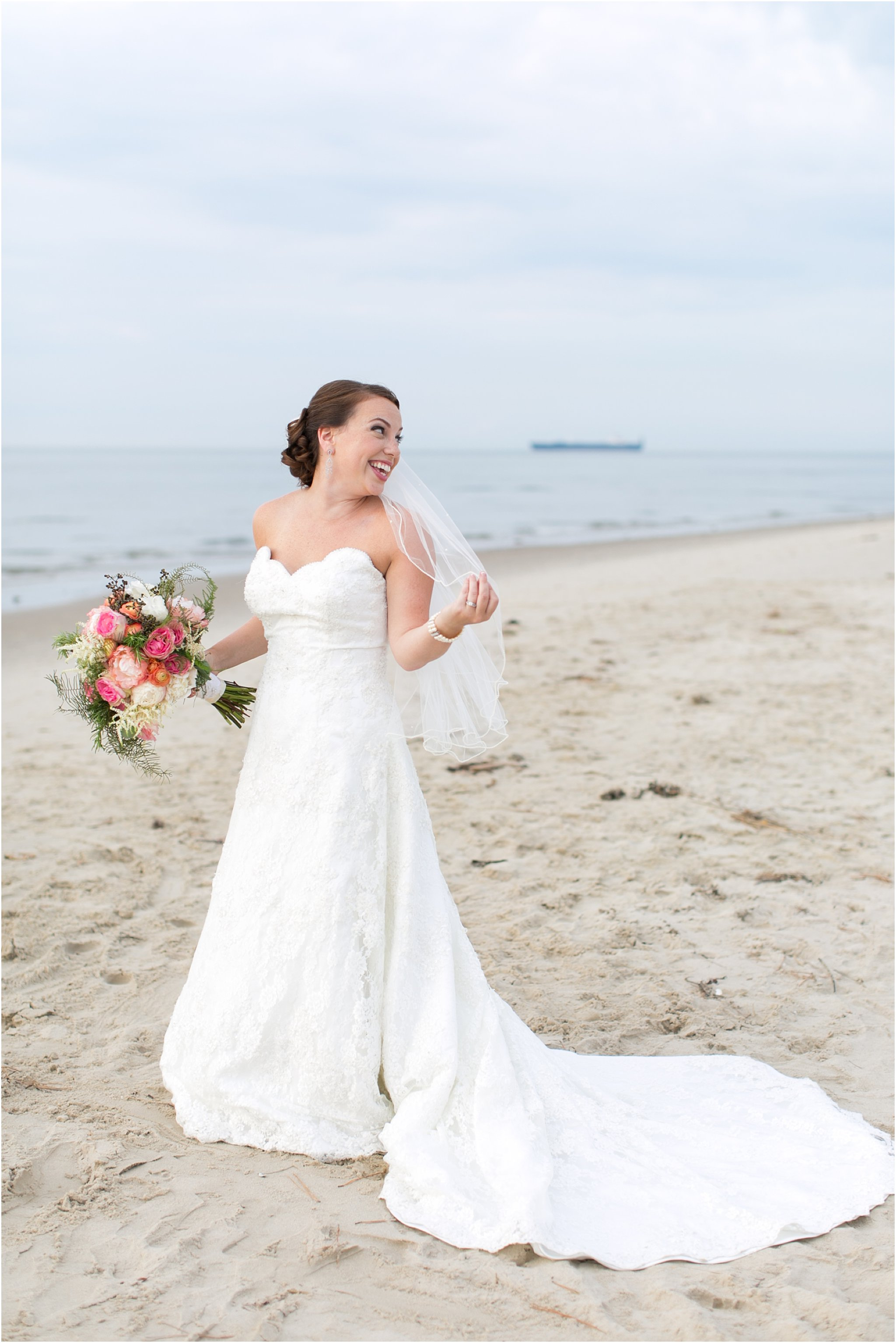 jessica_ryan_photography_wedding_photography_virginiabeach_virginia_candid_authentic_wedding_portraits_marina_shores_yacht_club_chesapeake_bay_1878