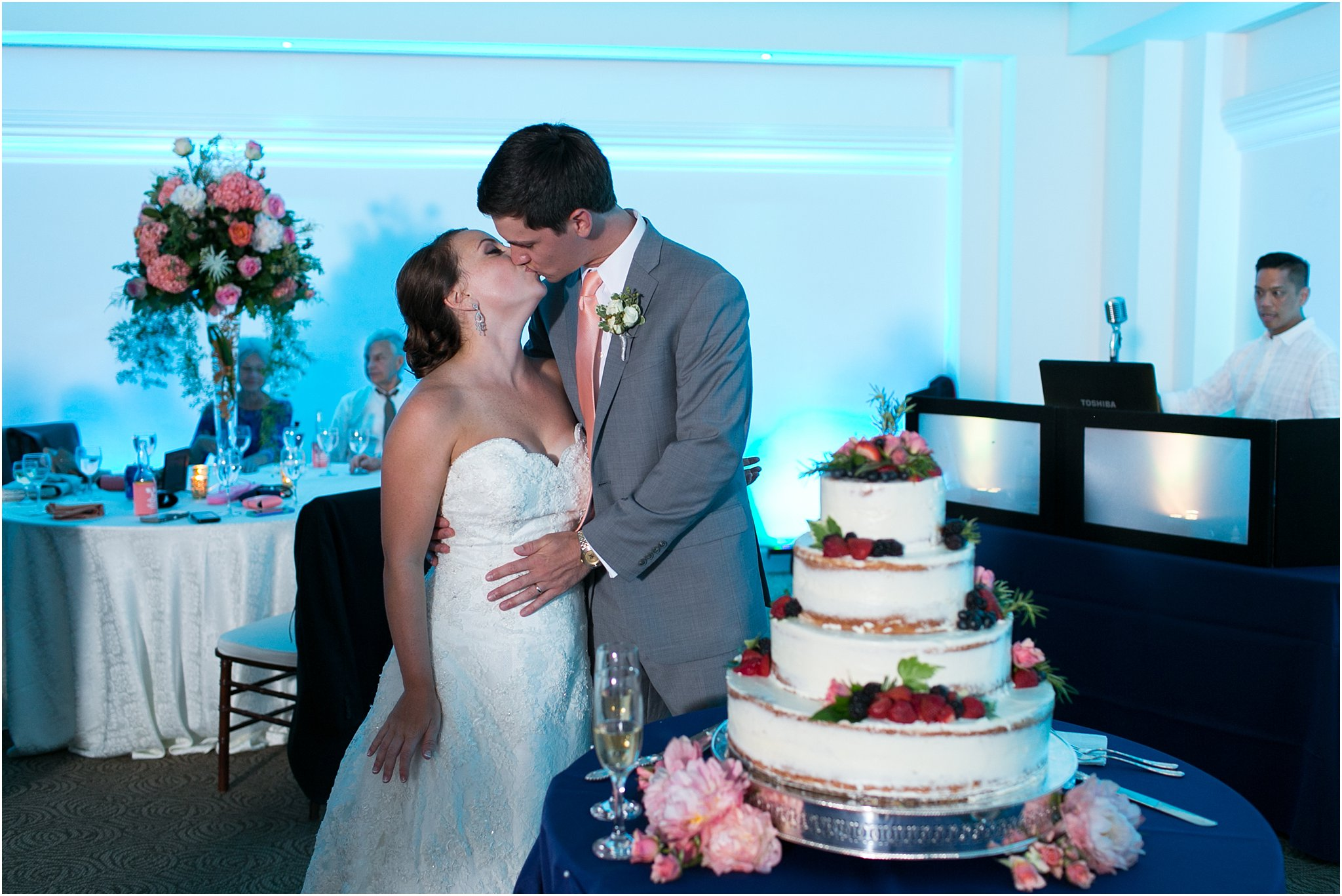 jessica_ryan_photography_wedding_photography_virginiabeach_virginia_candid_authentic_wedding_portraits_marina_shores_yacht_club_chesapeake_bay_1953