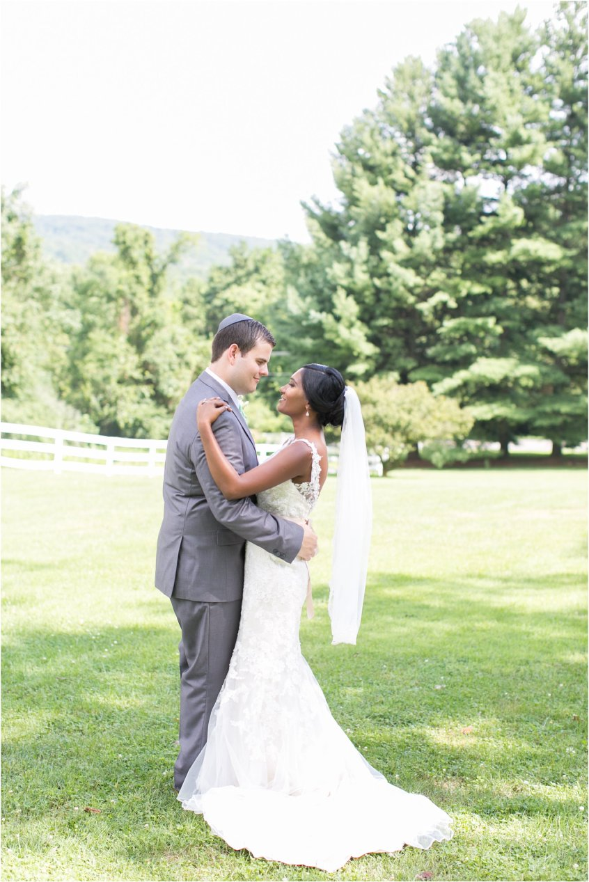 jessica_ryan_photography_virginia__middleburg_briar_patch_bed_and_breakfast_mountainside_wedding_Virginia_wedding_photographer_stella_york_wedding_dress_wedding_2552