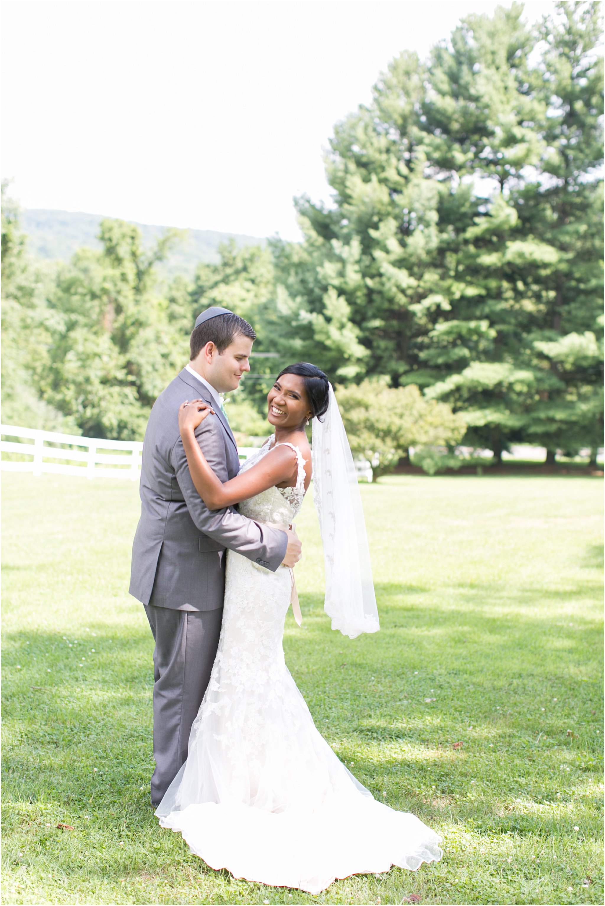jessica_ryan_photography_virginia__middleburg_briar_patch_bed_and_breakfast_mountainside_wedding_Virginia_wedding_photographer_stella_york_wedding_dress_wedding_2554
