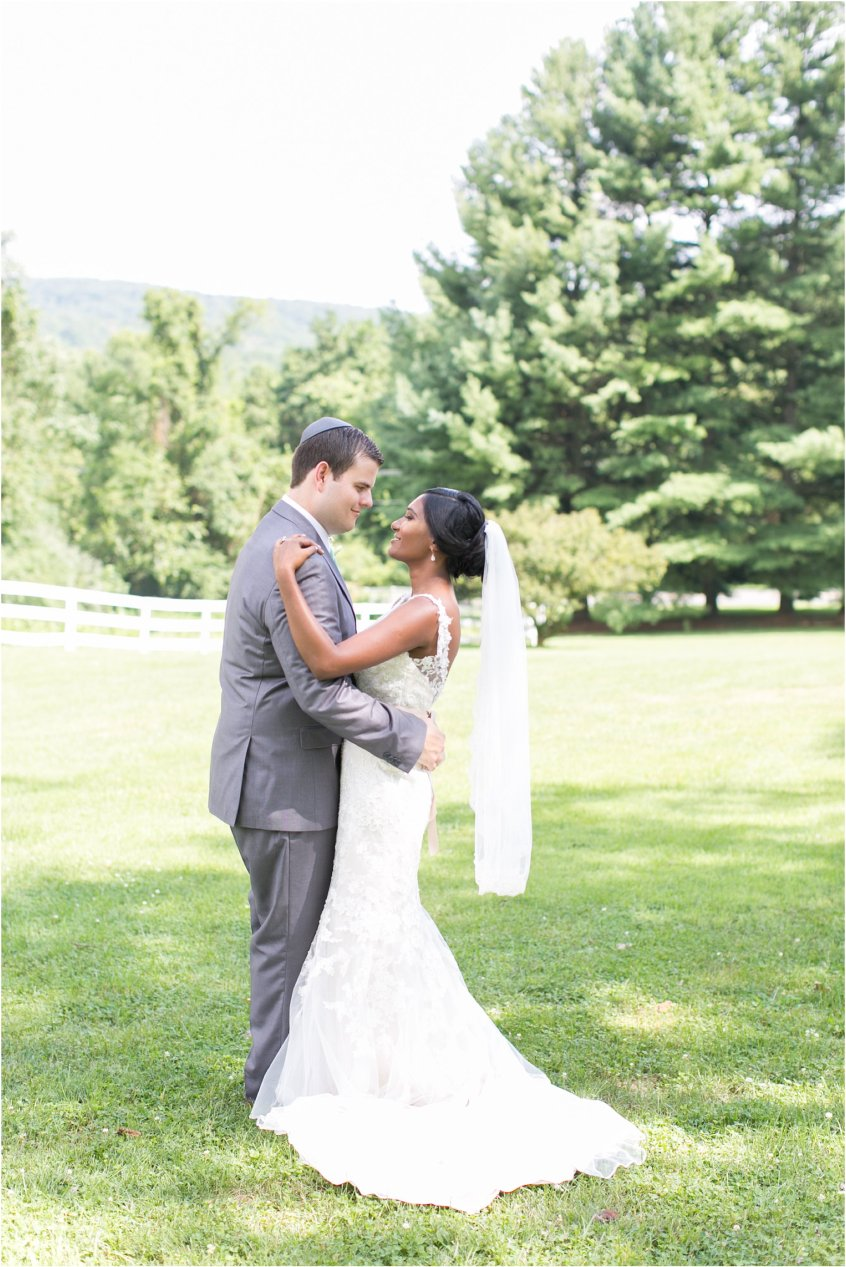jessica_ryan_photography_virginia__middleburg_briar_patch_bed_and_breakfast_mountainside_wedding_Virginia_wedding_photographer_stella_york_wedding_dress_wedding_2556