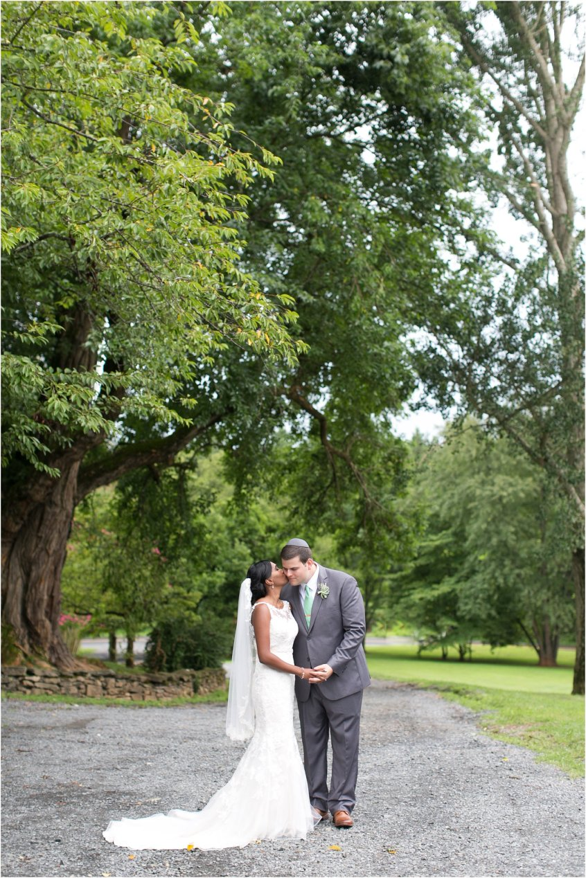 jessica_ryan_photography_virginia__middleburg_briar_patch_bed_and_breakfast_mountainside_wedding_Virginia_wedding_photographer_stella_york_wedding_dress_wedding_2595