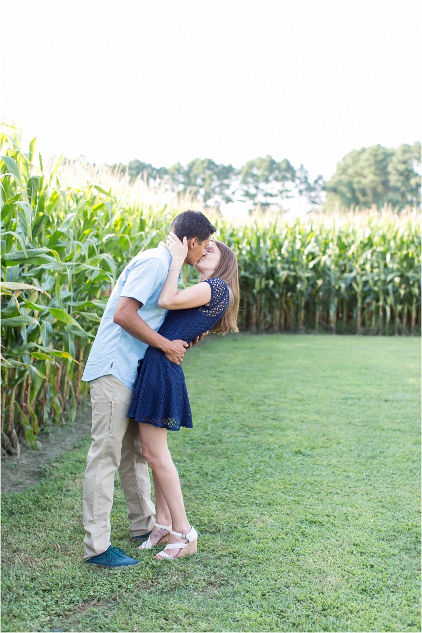 jessica_ryan_photography_virginia_virginia_beach_engagement_portraits_candid_authentic_engagements_pungo_country_farm_2750